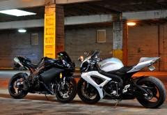 Обои с Yamaha R1 и Suzuki GSX r