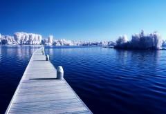 Красивый зимний пейзаж обои на стол