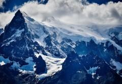 Торрес-дель-Пайне снежный горный пейзаж обои HD