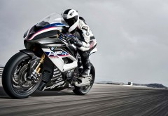 Скачать мотоцикл BMW HP4 Race Bike 2017 обои HD