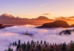 Золотой Восход над горами обои hd