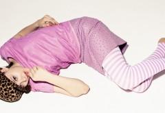 Хлоя Морец в розовом широкоформатные обои