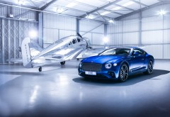 2018 Bentley Continental GT в ангаре обои HD