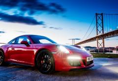 2017 Porsche 911 Carrera GTS Coupe обои под мостом