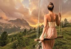 Красивая девушка на качелях живописный пейзаж обои HD