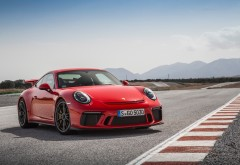 2018 Porsche 911 GT3 Guards Red картинки