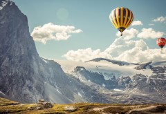 Воздушные шары в горах картинки