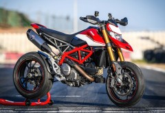 Мотоцикл DUCATI Hypermotard 950 SP 2019 обои