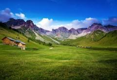 Прекрасная зеленая горная долина