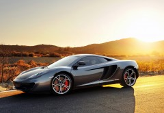mclaren mp4 12c supercar Макларен серебристого цвета