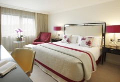 Интерьер в спальной комнате, дизайн квартиры