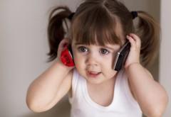 1920x1200, девочка, телефоны, игрушки, хвостики
