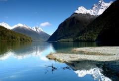 Горное озеро пейзаж