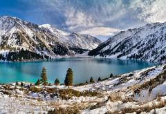 Зимний горный пейзаж обои