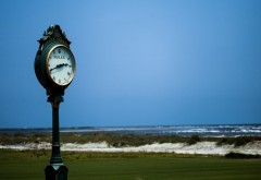 Большие часы роликс на побережье моря обои HD