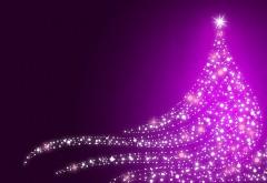 Праздничная елка из гирлянд на фиолетовом фоне