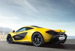 Желтый McLaren P1 суперкар