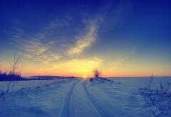 2560x1600, Пейзаж зимней дороги при закате
