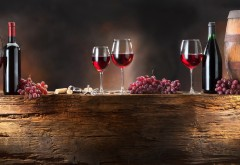 2560x1600, Несколько бутылок дорогого вина и виноград