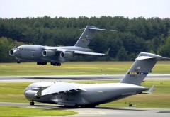 Большой самолет C-17 Globemaster