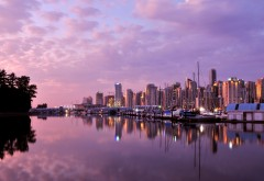 Сиреневый закат и город обои