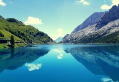 Marmoleda mountain reflections wallpapers high resolution