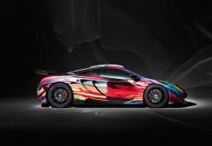 Яркий спортивный автомобиль mclaren обои скачать