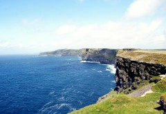 Утёсы Мохер клиф в Ирландии на берегу Атлантического о…
