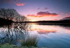 Озеро на закате широкоформатные обои hd скачать