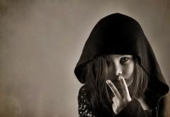 Девочка в капюшоне картинки на рабочий стол