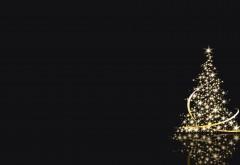 Рождественская елка с герляндами на черном фоне обои hd