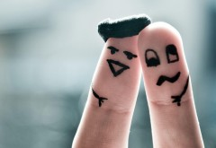 Пальцы лица юмор картинки на рабочий стол