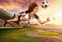 Девушка с футбольным мячом заставки на рабочий стол hd