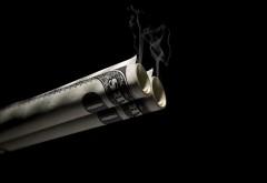 Деньги в трубочку доллары дымят