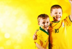 ФИФА ЧМ-2014 Дети фанаты картинки для рабочего стола ска�…