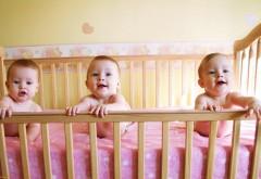 Тройня, трое маленьких детей картинки для рабочего сто…