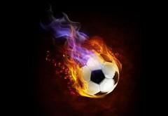 Обои футбольного мяча на черном фоне