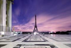 Эйфелева башня на фоне неба