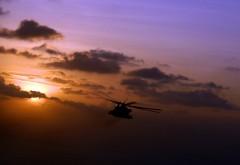 HD обои вертолет в небе