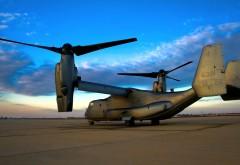 HD обои Военный вертолет на авиадроме