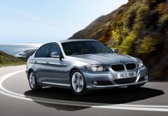 Широкоформатная обойка с автомобилем BMW