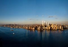 Широкоформатная заставка с мегаполисом