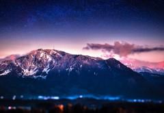 Фото высоких гор в ночное время суток