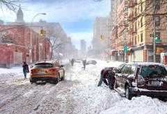 Горожане откапывают свои машины от снега обои hd беспла…