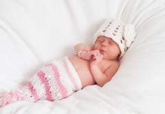 Заставки маленькой малышки спящей
