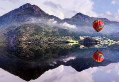 Воздушный шар, горы, озеро, отражение, фото, картинки