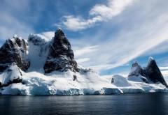 Вид горного озера фото высокого качества скачать