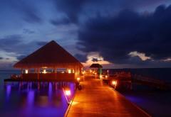 Мальдивские острова ночь, доки, фары, красиво и романти…
