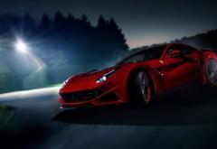 Заставка с шикарным, красным Ferrari