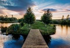Обои с прекрасным пейзажем островка посреди озера